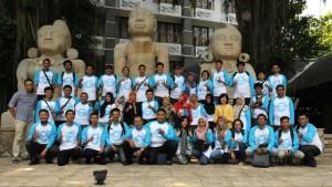 Para blogger berpose bersama Kabiro Humas MPR RI Ma'ruf Cahyono