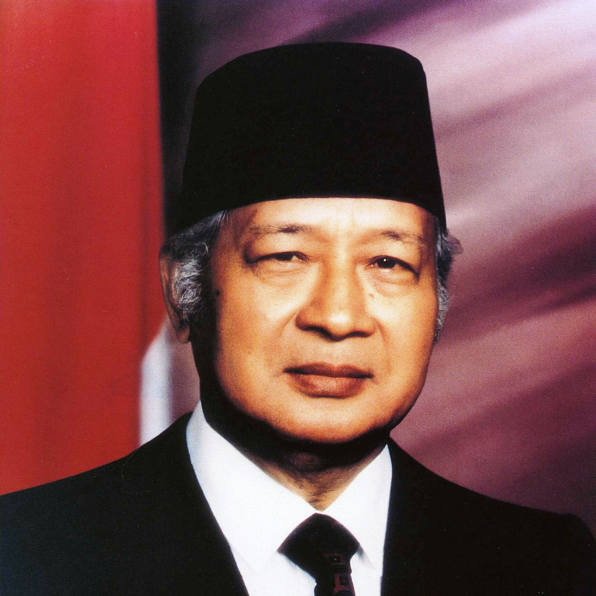 Soeharto | sumber gambar: indearchipel.wordpress.com